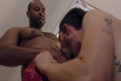 slim White chap Makes Love With A biggest Cocked dark man
