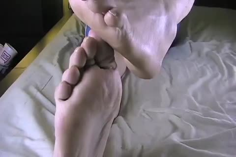 Feet and Singlet